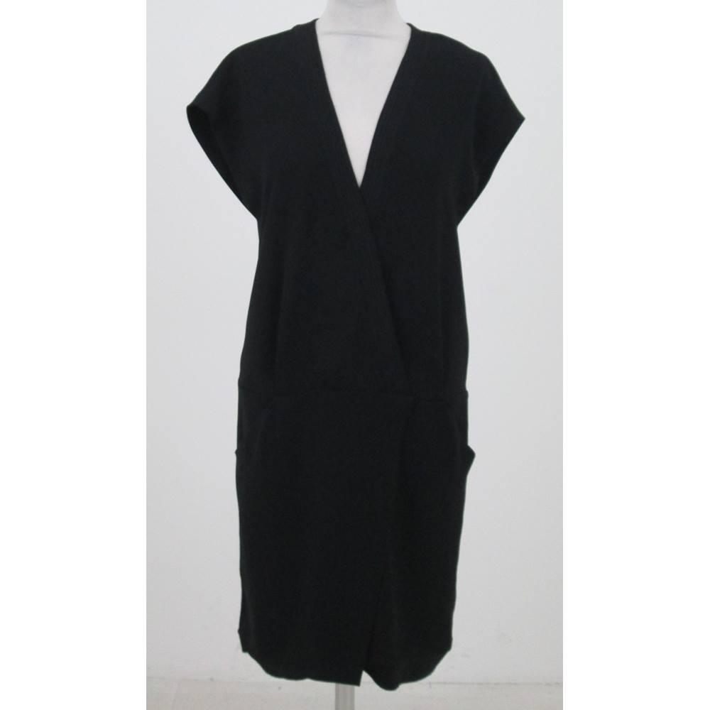 e27b68be41ad32 Zara Size XS Black Sleeveless Shift Dress For Sale in Milton Keynes ...