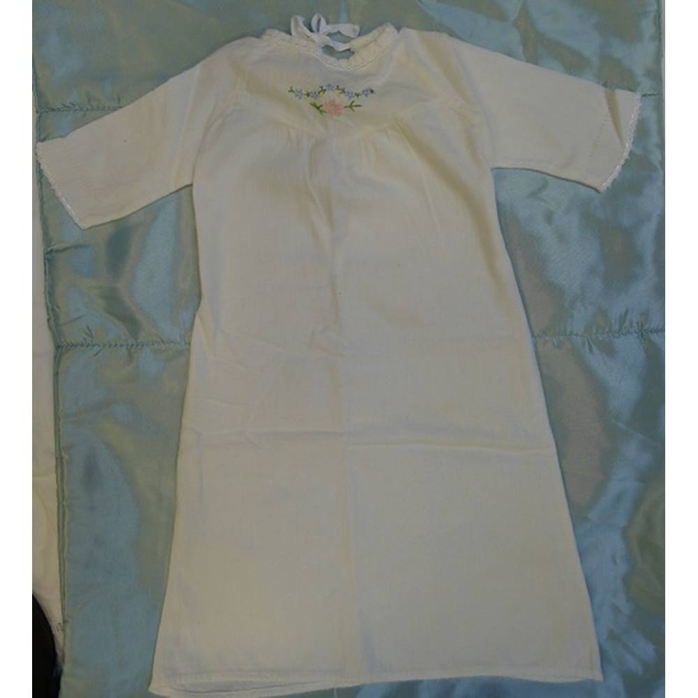 e76a3ca6593 Vintage baby girl night dress by Mothercare Mothercare - Size  0 - 12 months  -. Loading zoom