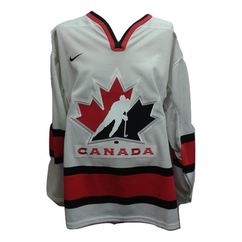 d9bb3ea170b7 Men s Nike Canada Ice Hockey Jersey - Size M. Loading zoom