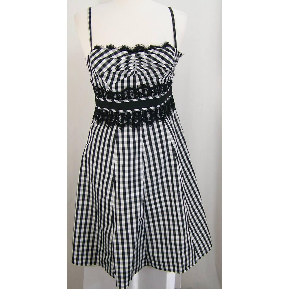 de5531583f0 Karen Millen Size 12 Black & White Checked Sleeveless Dress For Sale ...