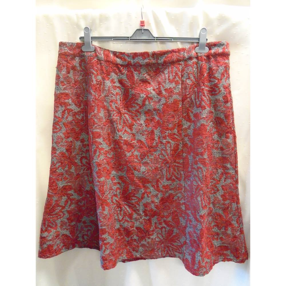 ade30800caf54 Oxfam Shop Bury A gorgeous panelled skirt from M S Classic Range in  Red Grey Mix. Slightly elasticated at the back of the waistband for comfort.