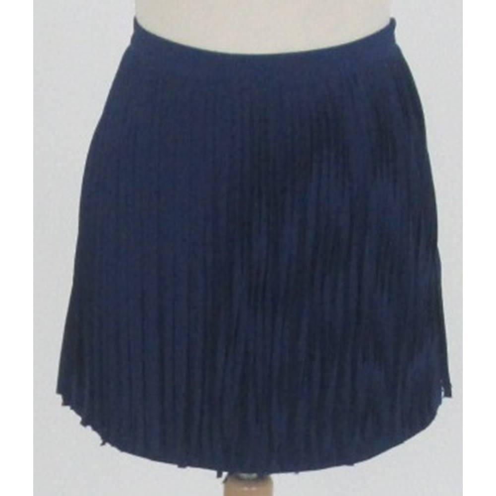d75b677635 Zara Basic Size 10 navy blue fringed skirt For Sale in Milton Keynes,  London | Preloved