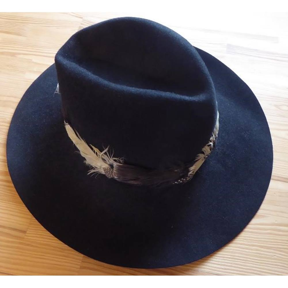 075d029ea9311 Black Western felt Stetson with feathered band Stetson - Size  Medium -  Black - Cowboy hat For Sale in Kendal