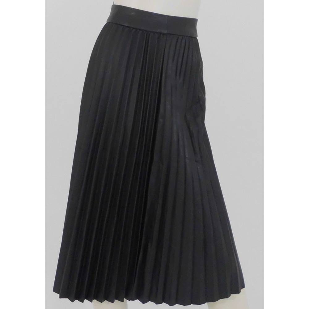 8a591a3d66 NWOT M&S Size 14 Black Faux Leather Pleated Skirt For Sale in ...