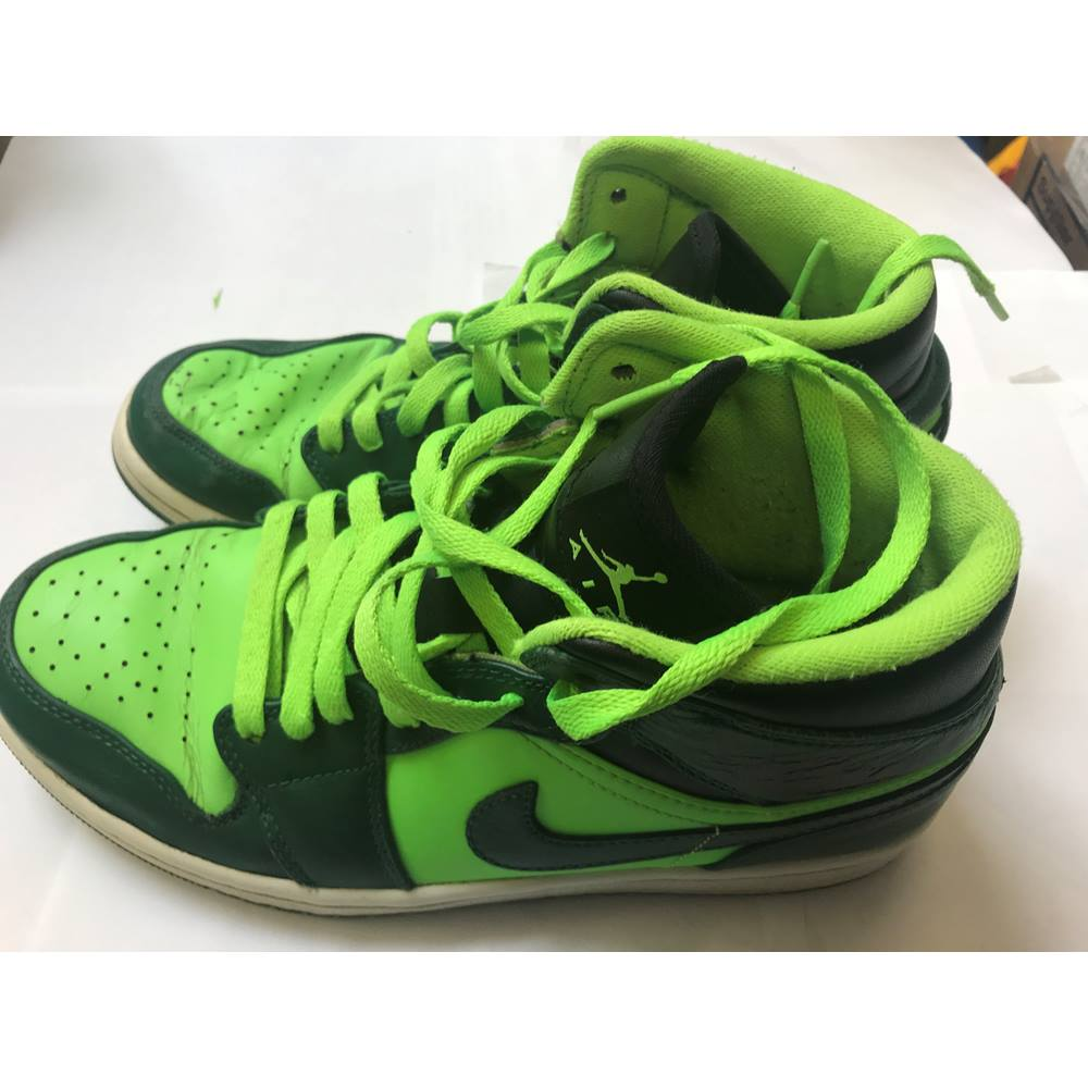 a28b7cd1ddc2c7 Nike Air Jordan 1 Mid Basketball Shoes 554724-330 Size 7 Gorge  Green/Electric