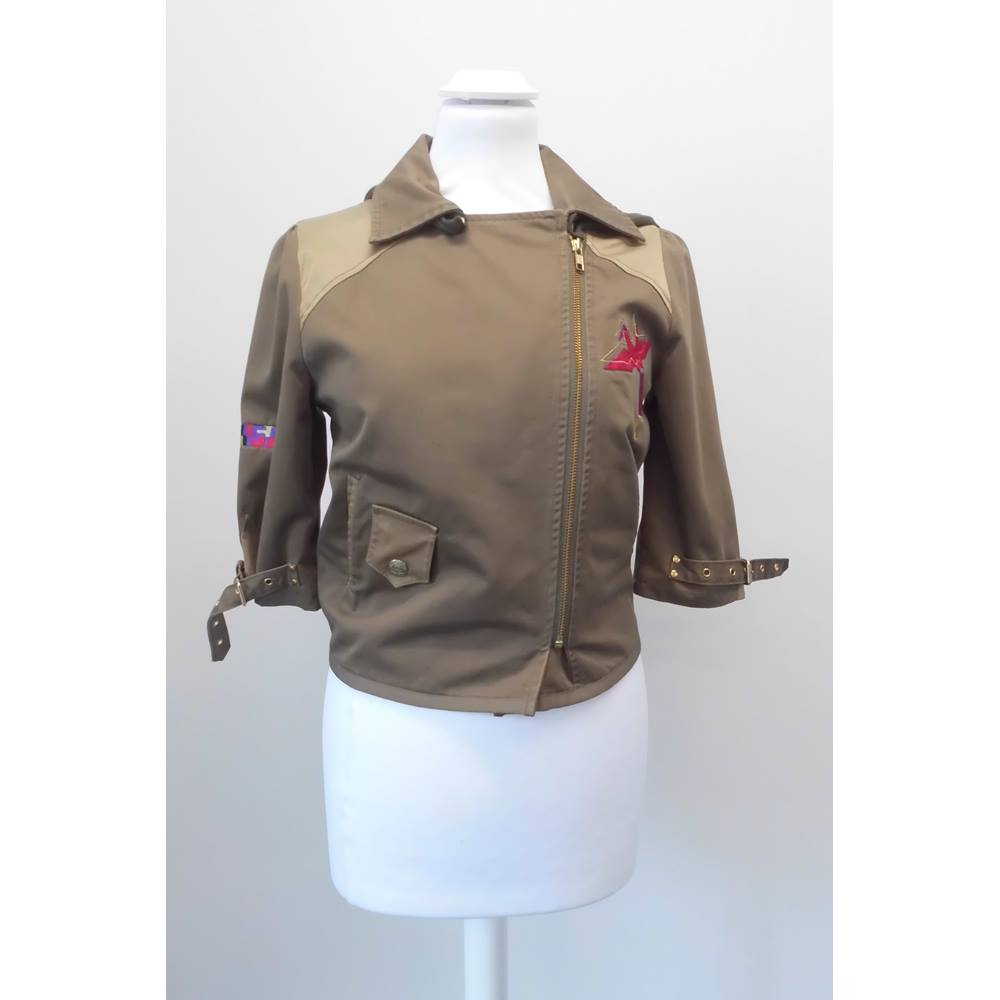 Preview of the first image of Evisu Genes Short modern jacket Khaki brown Size: S.