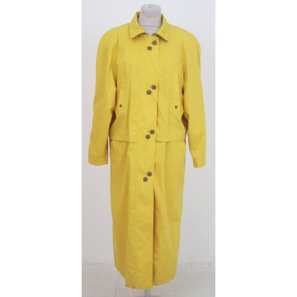 the best attitude 42b58 65fec Gil Bret Size:10 yellow light raincoat | Oxfam GB | Oxfam's Online Shop