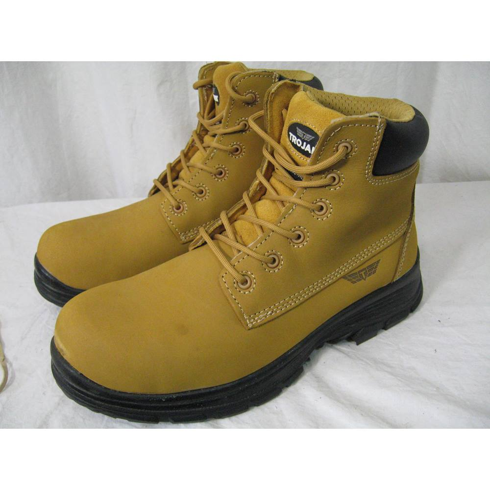 10417cf6663 NWT Arco Trojan size 9 safety boots | Oxfam GB | Oxfam's Online Shop