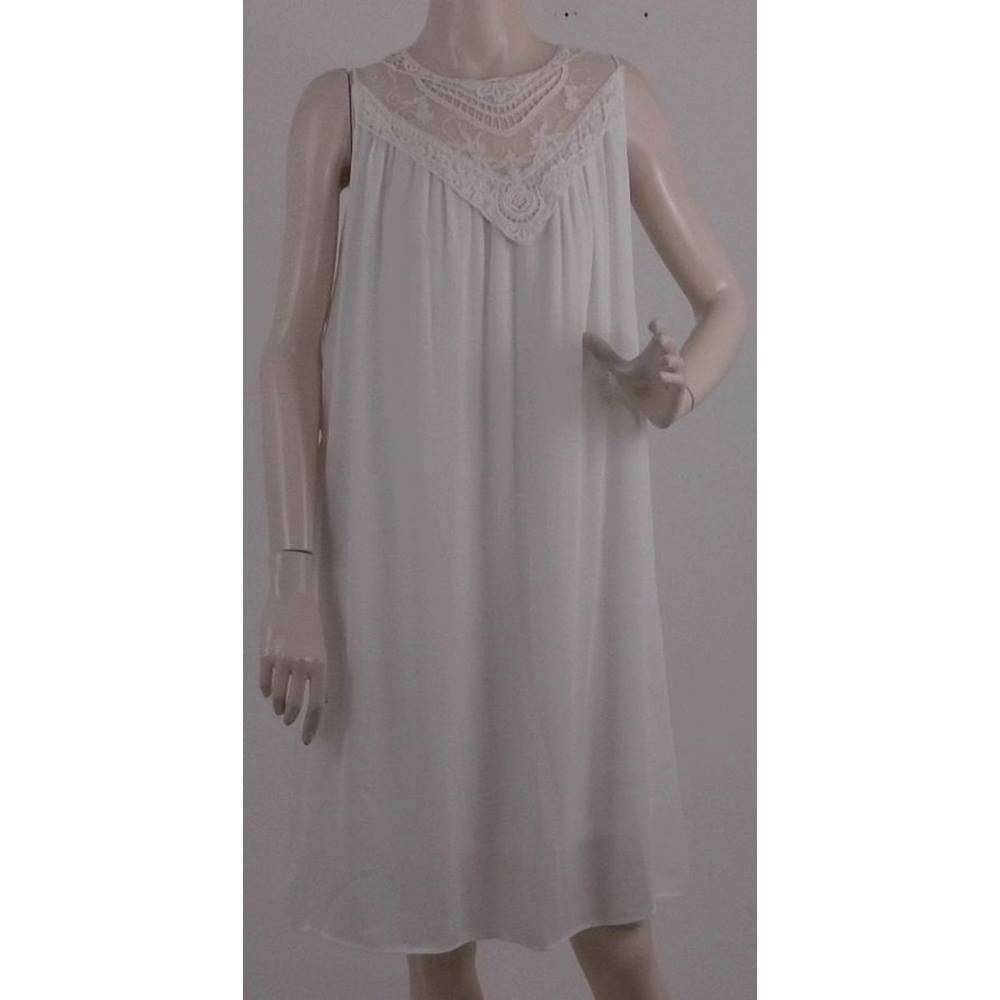 Preview of the first image of BNWT Mamalicious - Size: S - White Maternity Dress.