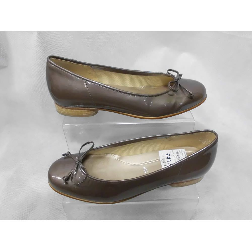 Ladies Gabor Shoes - Size: 4.5 - Dark Nude- Flat shoes