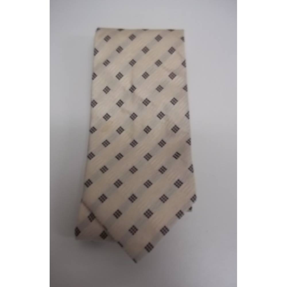 Preview of the first image of Westbury patterned silk tie black/cream Size: One size.