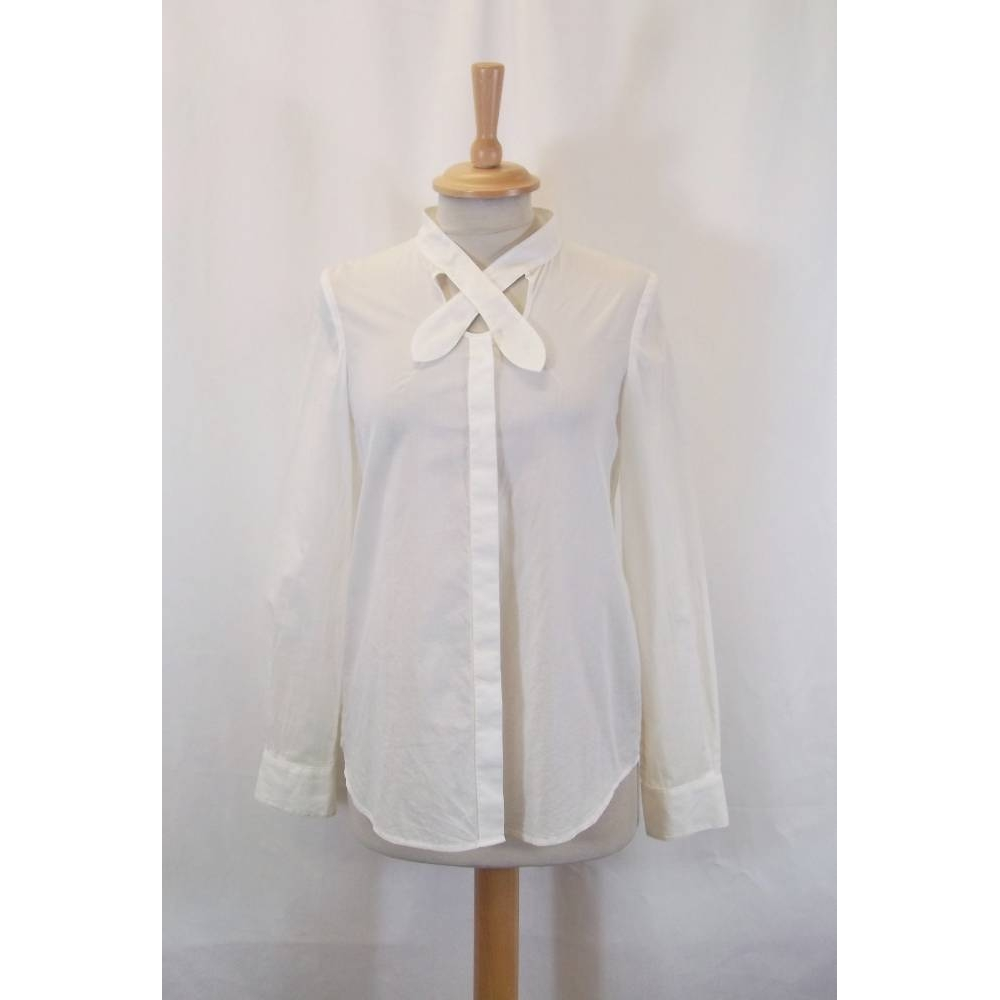 Preview of the first image of aacero blouse white Size: M.