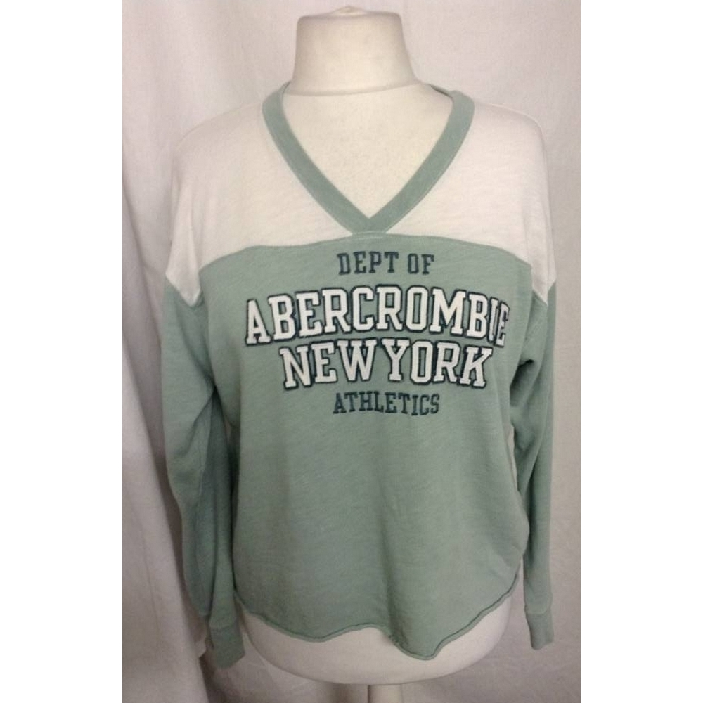 Preview of the first image of Abercrombie & Fitch  top mint and white Size: L.