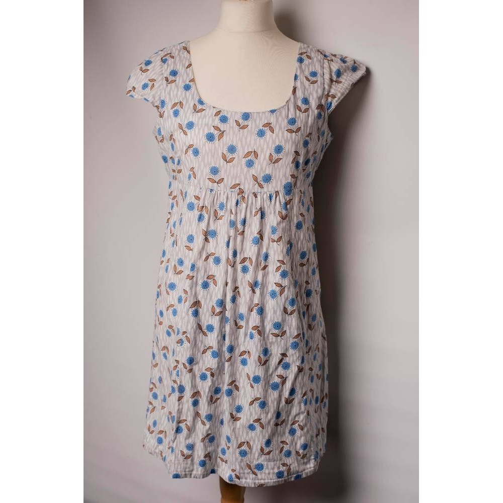 Preview of the first image of So Marilyn - Marilyn Moore Summer Dress Grey/Blue Size: M.