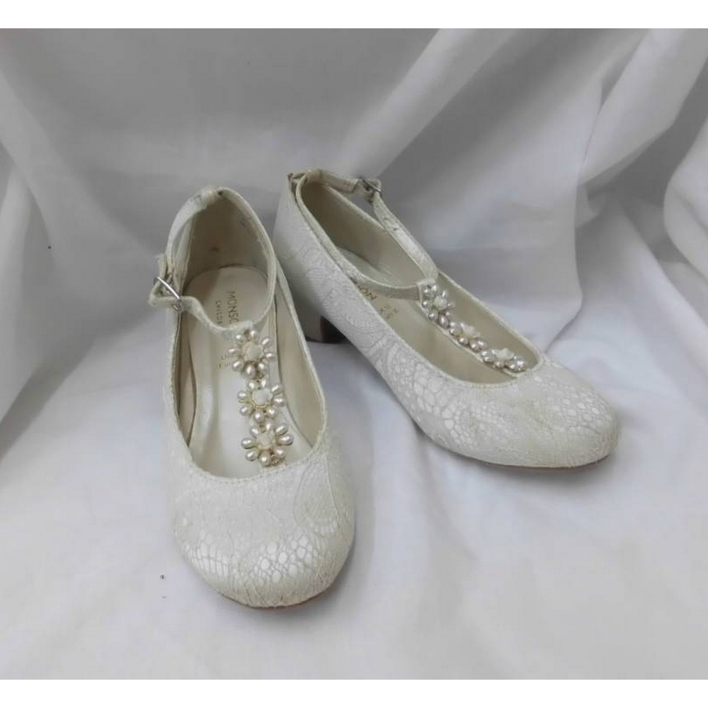 Preview of the first image of Monsoon Bridesmaid shoes Cream Size: 12.
