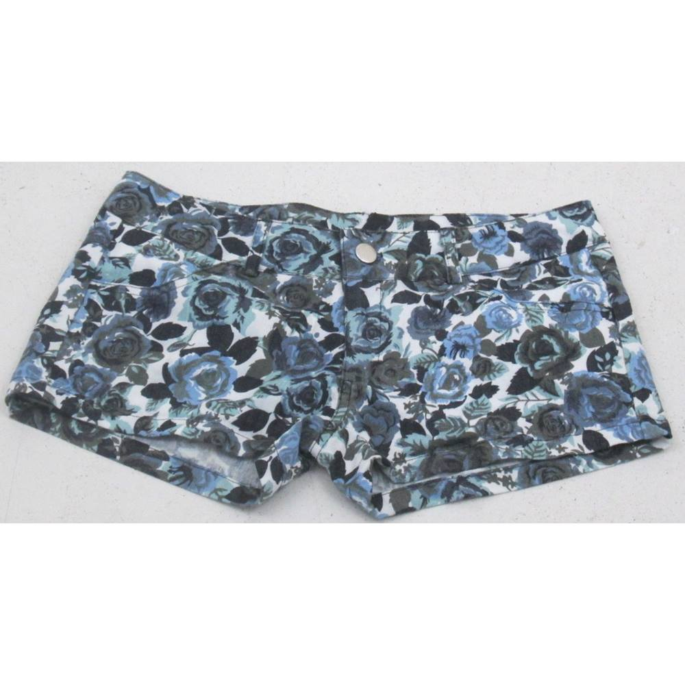 Preview of the first image of West 36 floral shorts white blue mix Size: S.