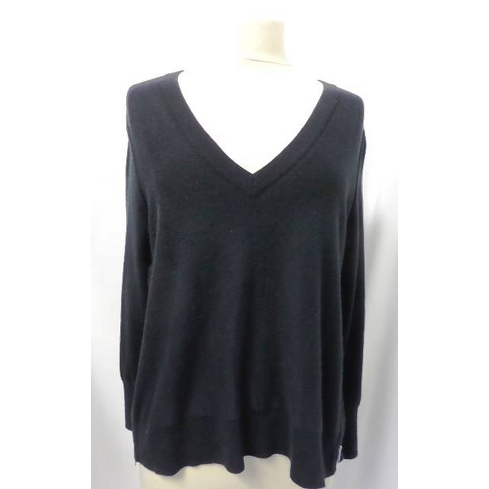 Preview of the first image of Banana Republic Jumper Black Size: M.