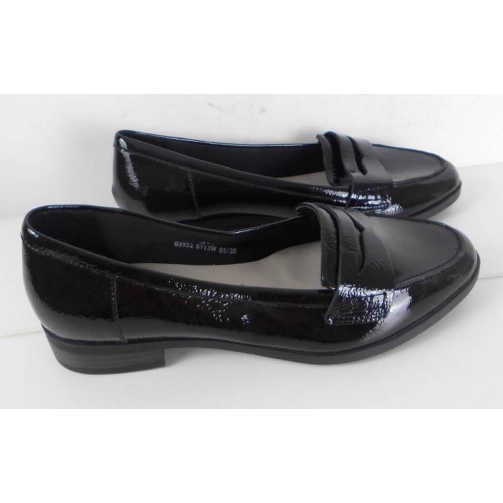 Preview of the first image of NWOT Marks & Spencer Wide Fit Patent Leather Loafer Black Size: 4.5.