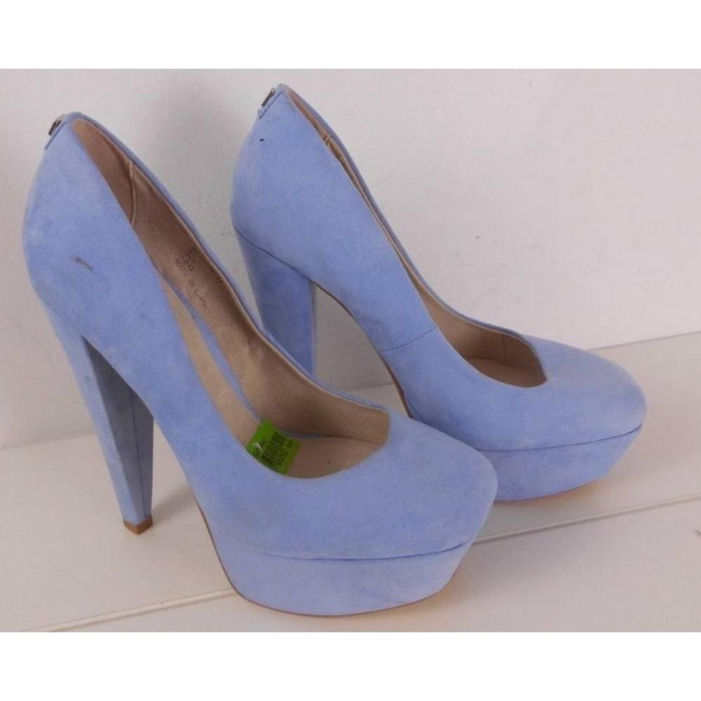 NWOT Faith Suede Court Shoes Powder