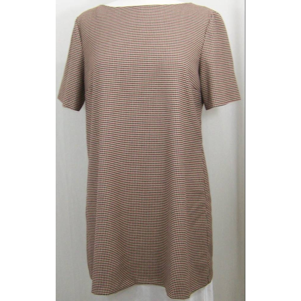 Preview of the first image of Zara Woman A line short sleeve mini dress Multi-coloured Size: L.