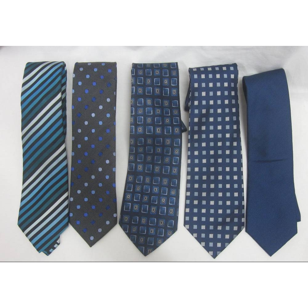 Preview of the first image of Mixed Tie Bundle Blue Patterned Size: Not specified.