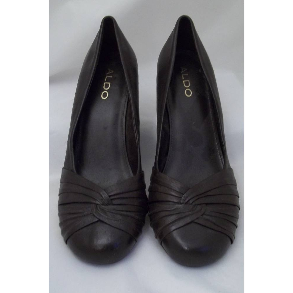 Preview of the first image of Aldo Kitten heel Shoes Brown  Size: 6.