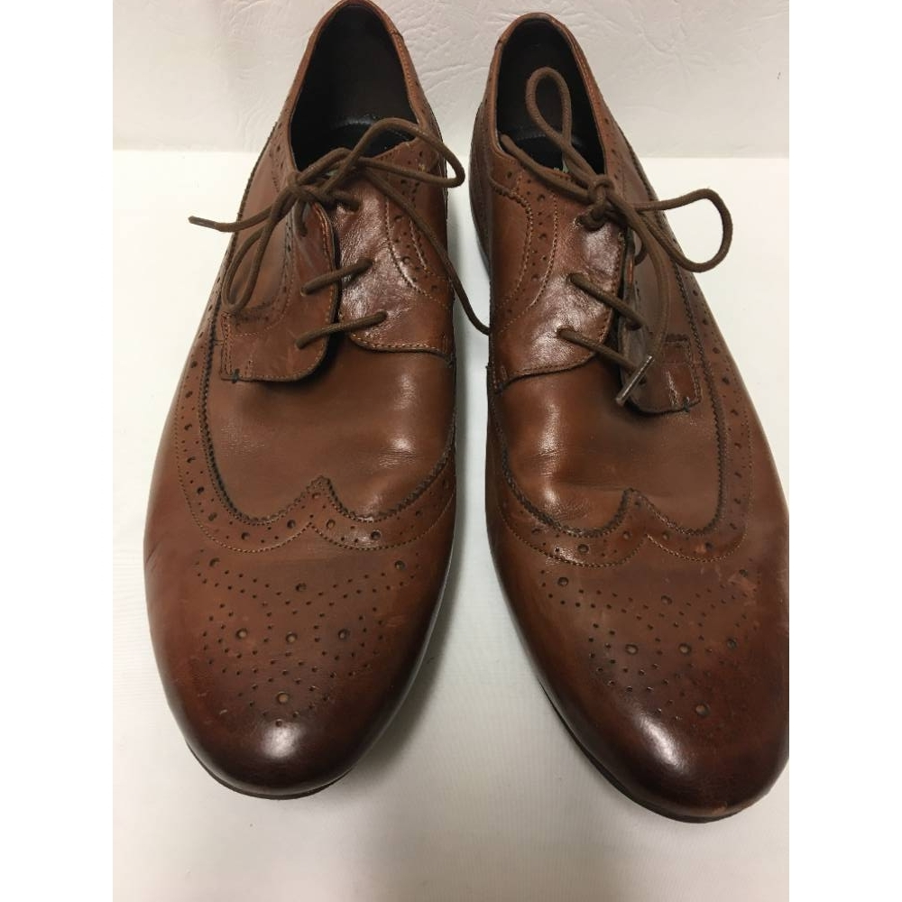 Preview of the first image of Clarks Soft Cushion  Laced Brogues Shoes Tan Size: 11.