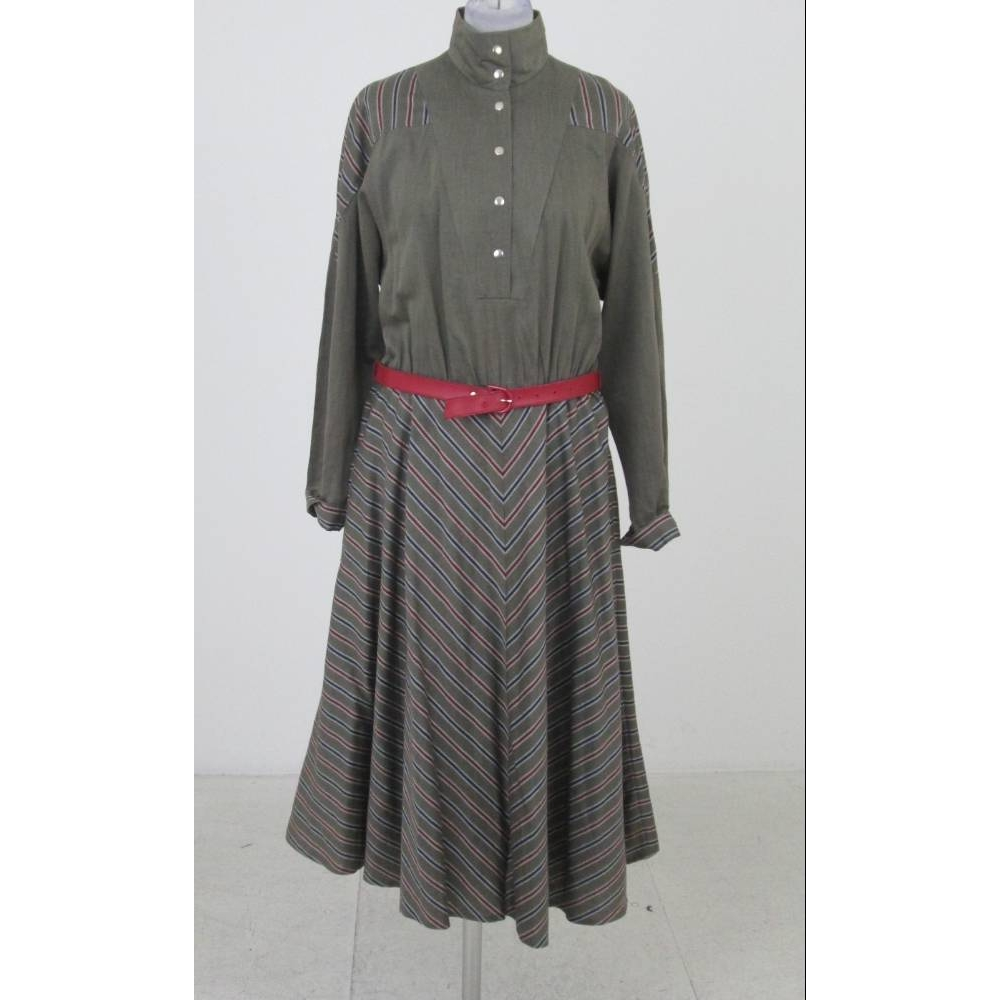 Preview of the first image of Unbranded Striped Cotton Mix Twill Dress Army Green/Red  Size: 12.