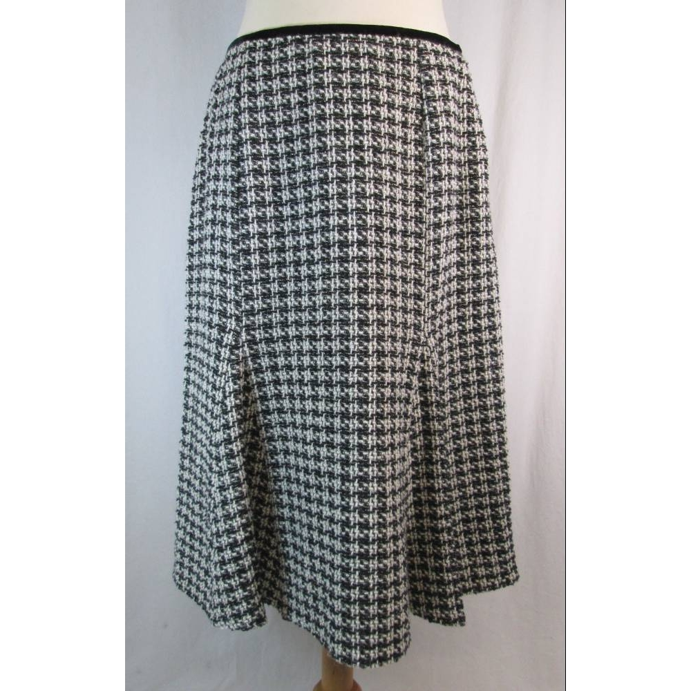 Preview of the first image of Paul Separates Flared Tweed Skirt Black & White Size: 14.