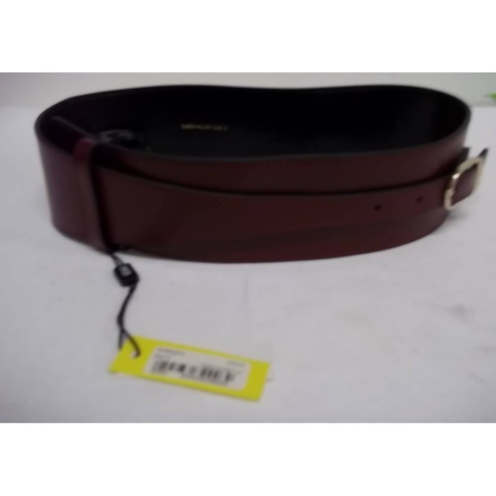 Preview of the first image of Karen Millen size S aubergine wide leather belt.