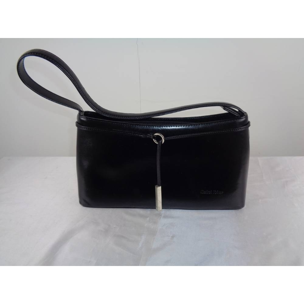 Preview of the first image of Caidi Dior Handbag Black Size: S.