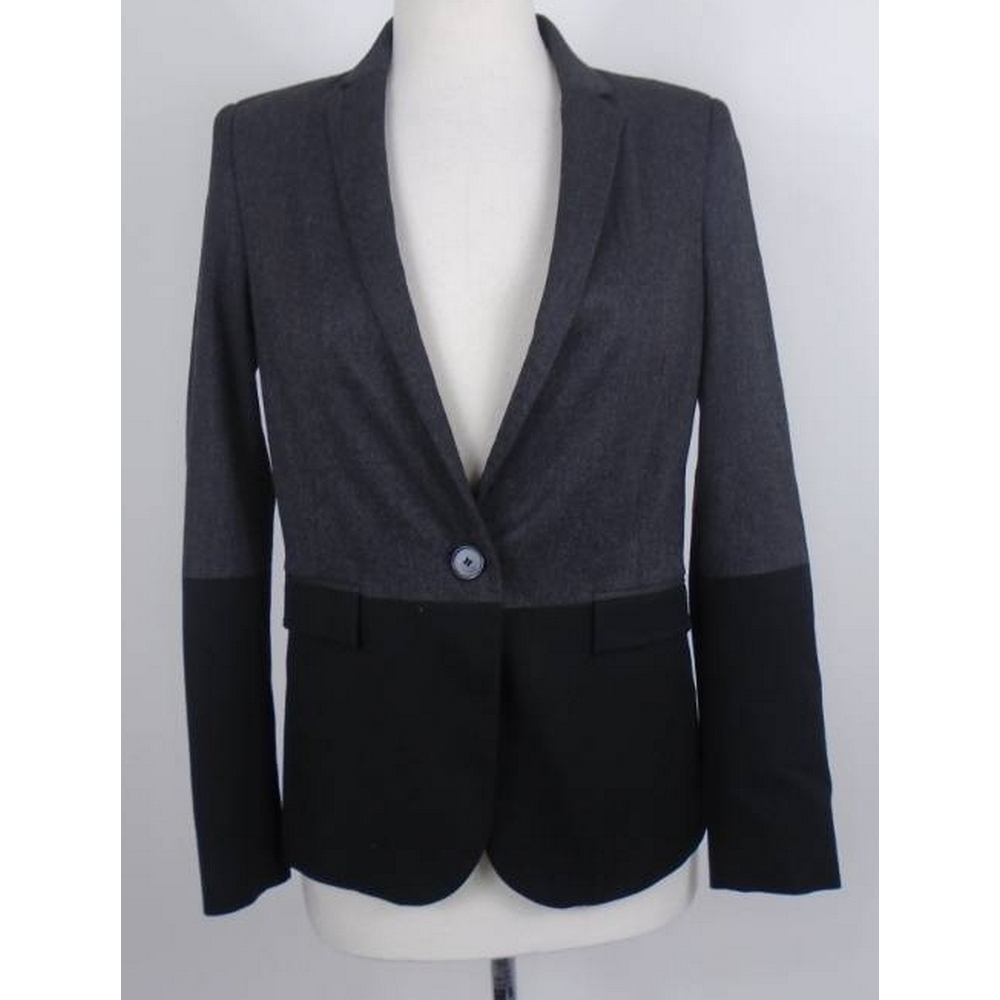 Preview of the first image of Zara Coat grey/black Size: S.